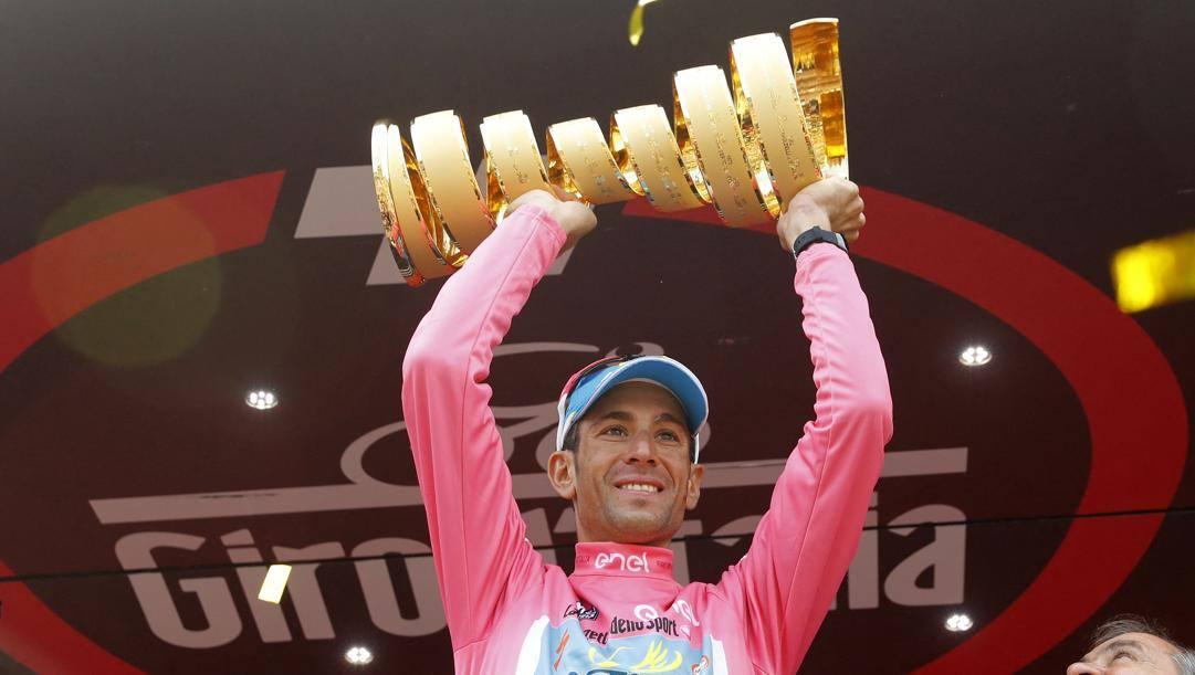 Vincenzo Nibali festeggia la vittoria del Giro d'Italia 2016. Afp