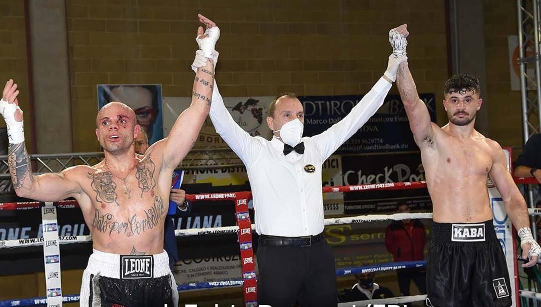 Arblin Kaba a destra  esulta, ma  applausi e pugno al cielo anche per Luciano Randazzo, sfortunatissimo. Bozzani