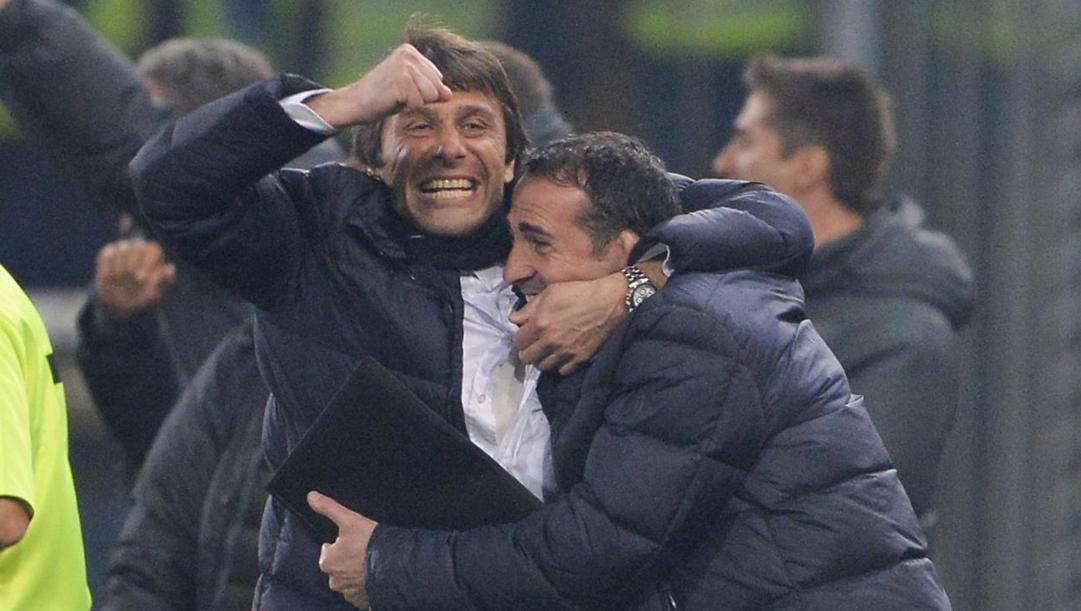 Antonio Conte (51 anni) e Angelo Alessio (55) alla Juventus nella stagione 2013-14. GETTY IMAGES