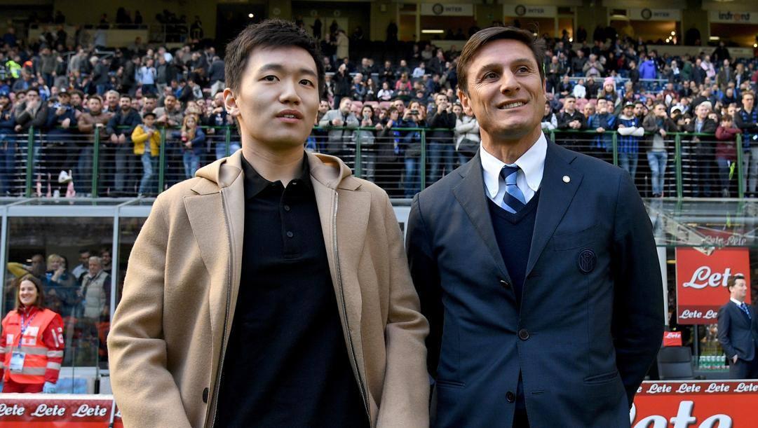 Javier Zanetti con Steven Zhang. Getty