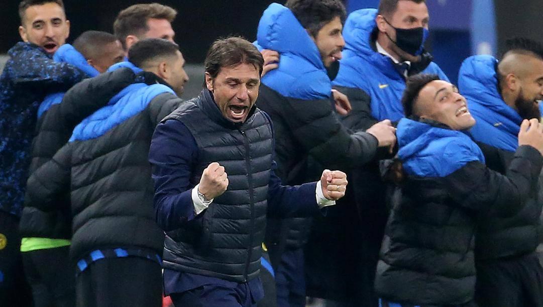 Conte esulta dopo  la vittoria sull'Atalanta. Ansa