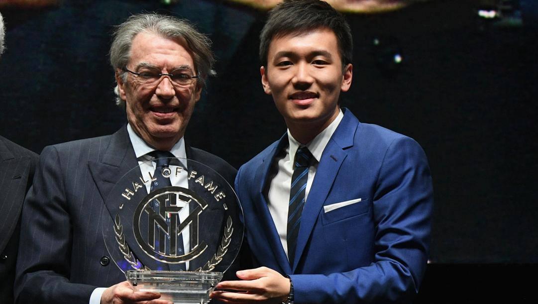 Massimo Moratti con Steven Zhang. Getty