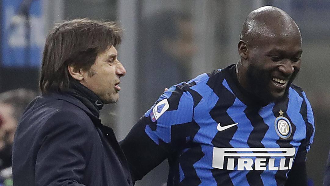 Antonio Conte (51 anni) e Romelu Lukaku (27): per entrambi questa è la seconda stagione all'Inter. AP
