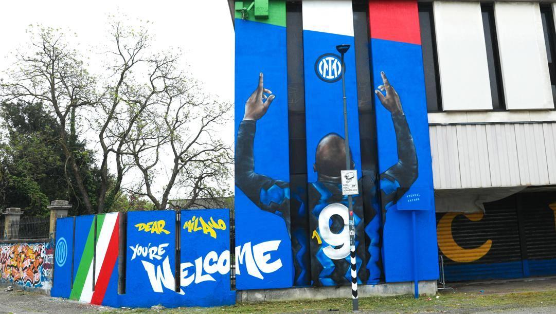 Il nuovo murales dedicato a Lukaku. Epa
