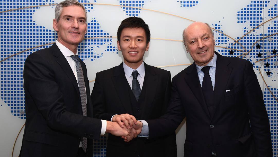 Zhang con gli ad Antonello e Marotta. Getty