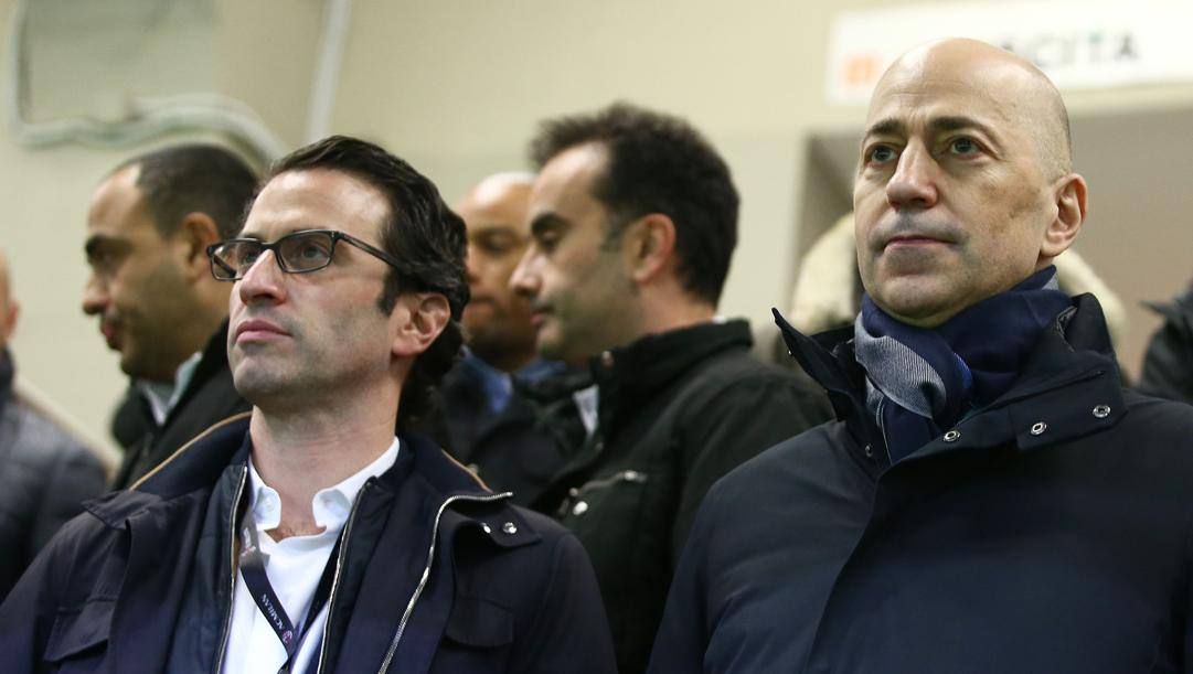 Gordon Singer e Ivan Gazidis. LaPresse