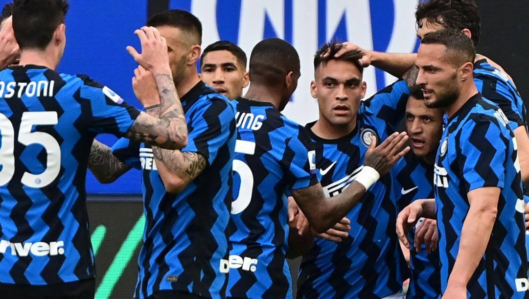 L'esultanza dei calciatori nerazzurri. AFP
