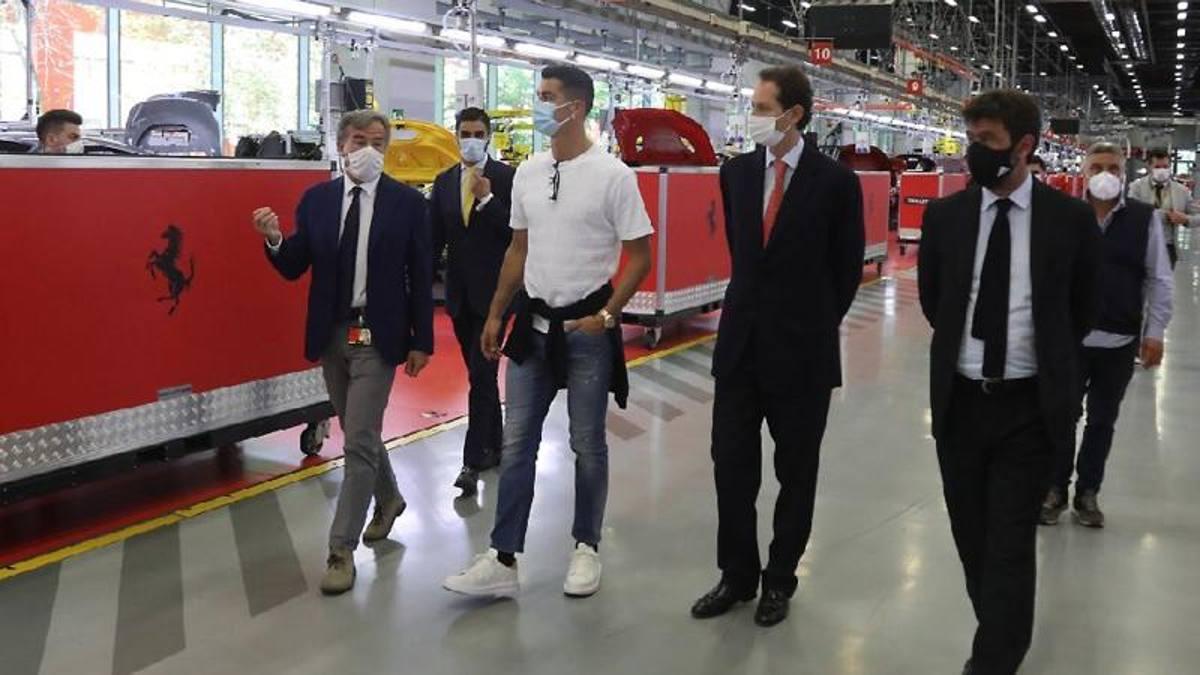 No Continassa for Ronaldo: he was in Maranello with Agnelli and Elkann -  Ruetir