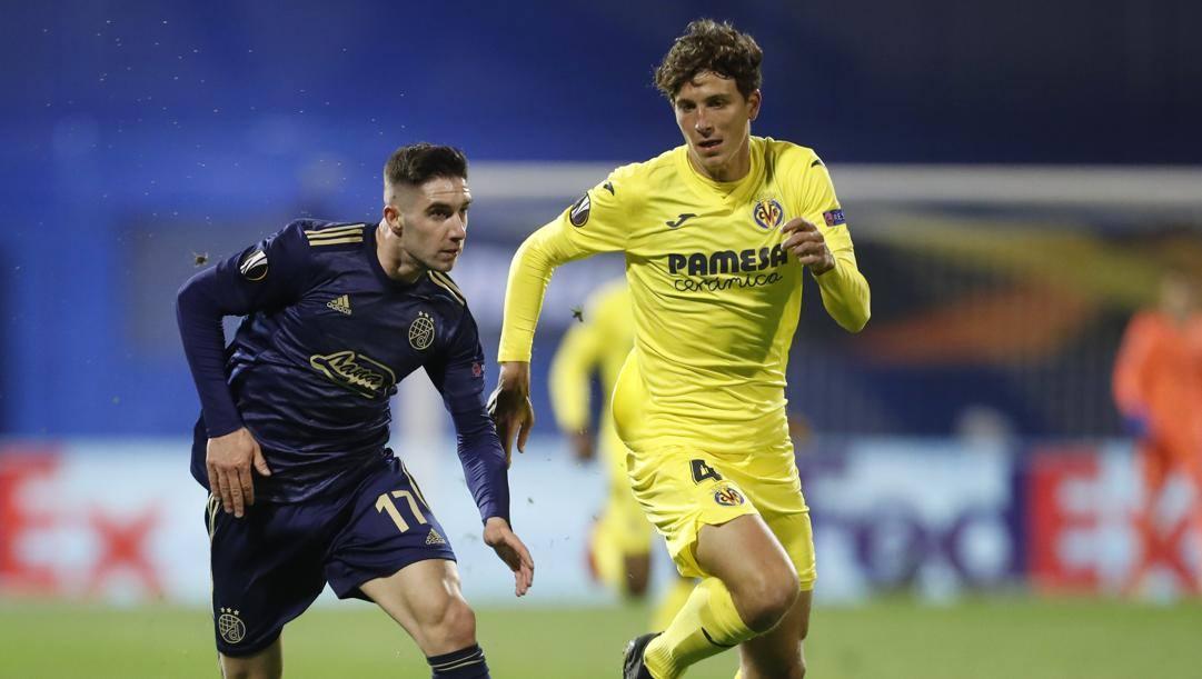 Pau Torres in azione in Europa League. LaPresse