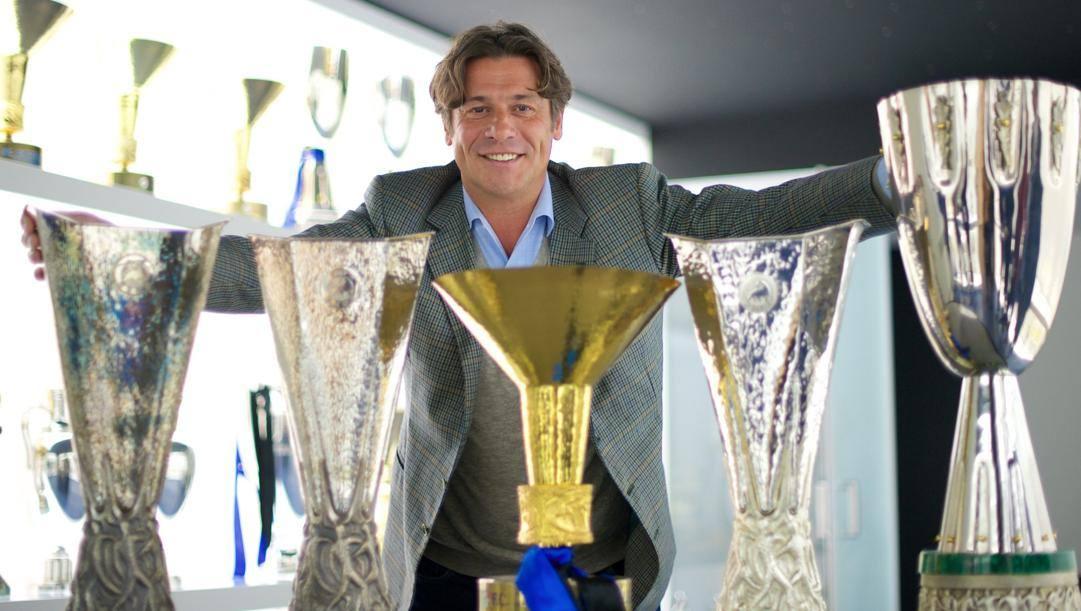 Nicola Berti con i suoi trofei interisti
