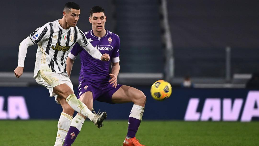 Nikola Milenkovic contro Cristiano Ronaldo in Juve-Fiorentina di dicembre. Afp
