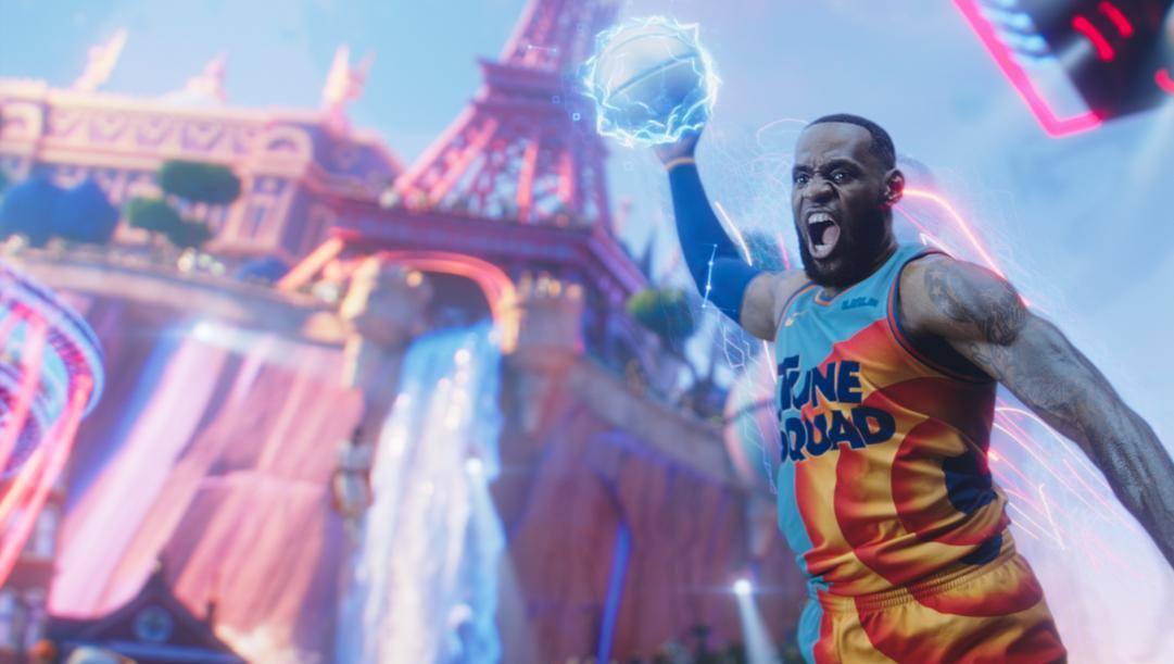 LeBron James in una scena di Space Jam: New Legends. In Italia lo vedremo dal 23 settembre