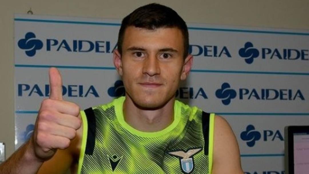 Dimitrije Kamenovic, 20 anni, durante le visite mediche con la Lazio (OFFICIAL_SSLAZIO)