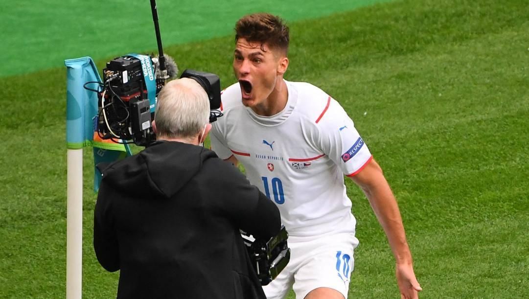 Patrik Schick esulta dopo il primo gol. Afp