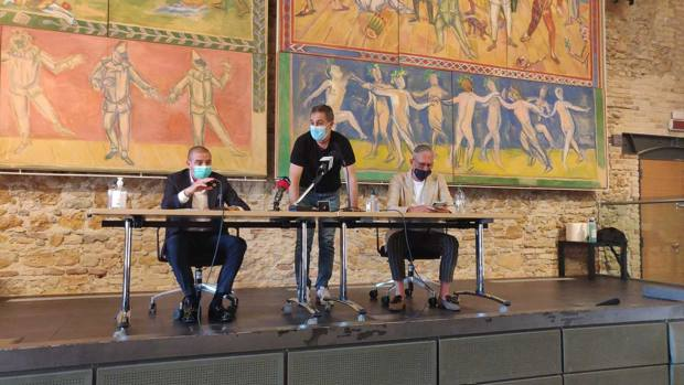 Il presidente del Matelica ha spiegato il progetto in 30 minuti, nella foto anche l'assessore allo Sport anconetano Andrea Guidotti