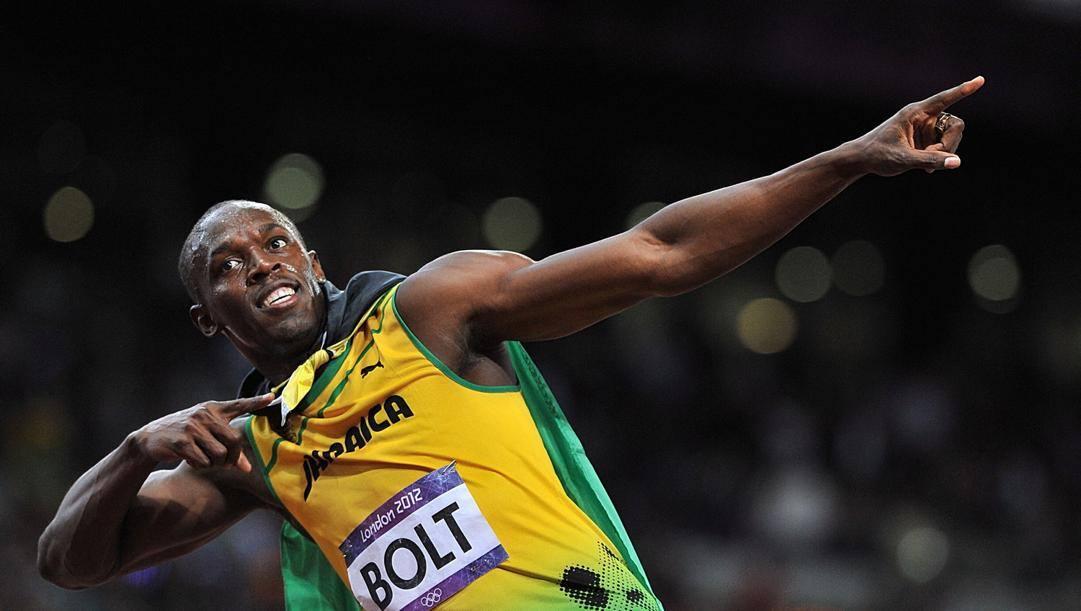 Usain Bolt dopo la vittoria sui 100 a Londra 2012. Lapresse