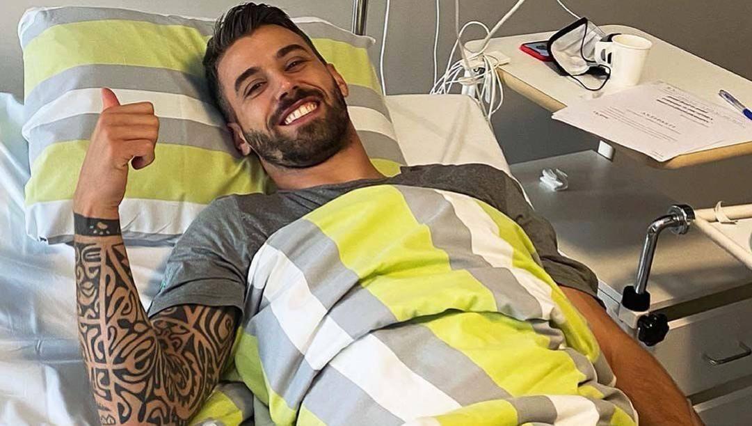 Spinazzola sorridente dopo l'operazione. Instagram