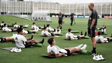 Juve in ritiro: il primo giorno di Allegri - La Gazzetta dello Sport