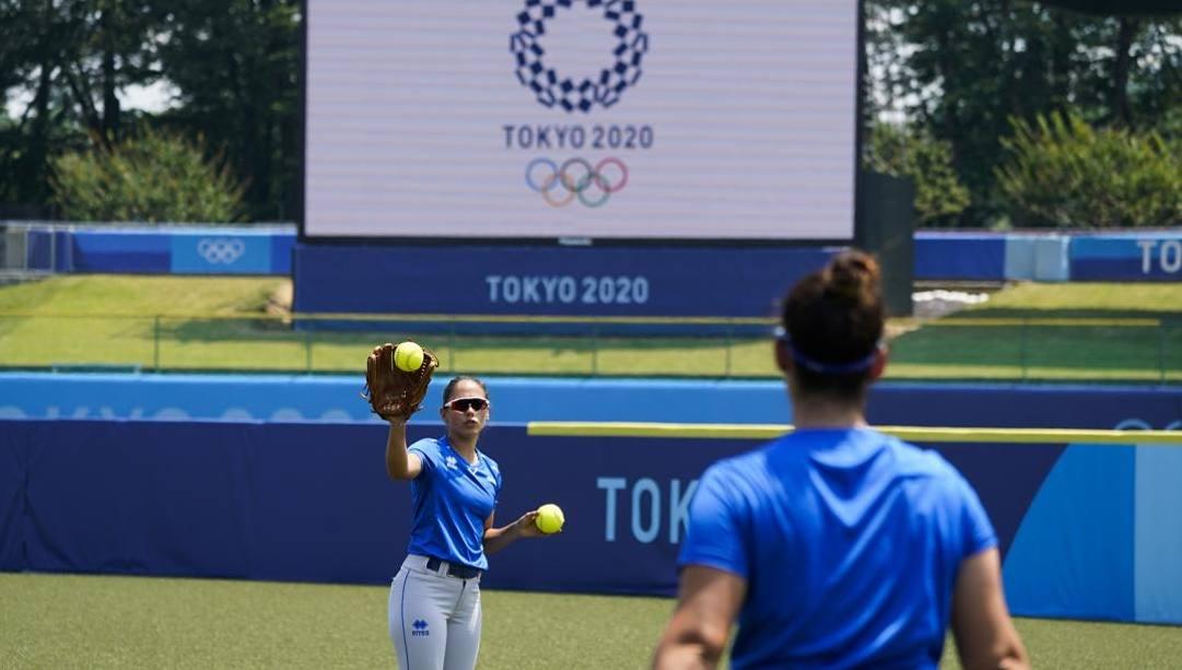 La Nazionale di softball si allena a Tokyo. Afp