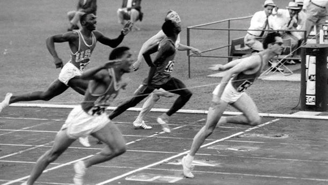 La vittoria sui 200 metri di Livio Berruti nel 1960 all'Olimpiade di Roma