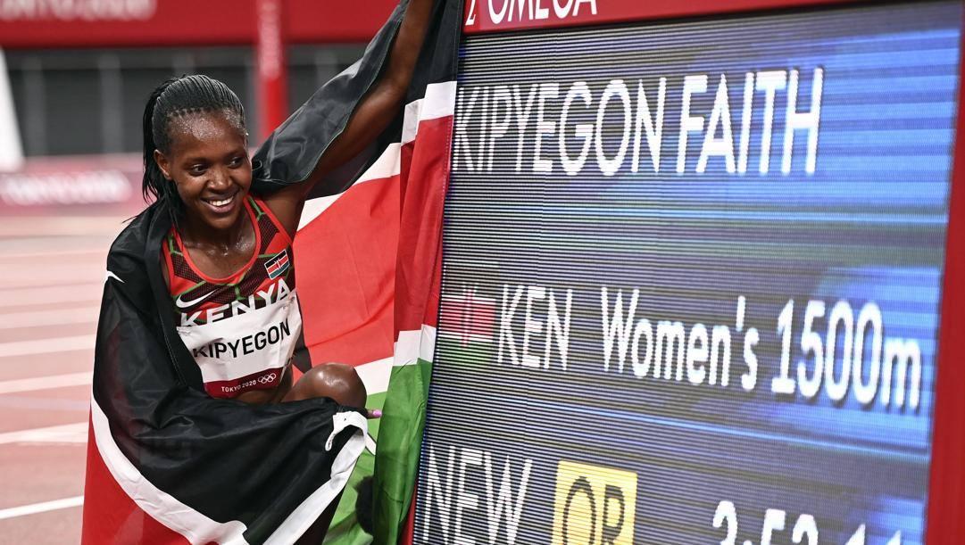 Faith Kypiegon, record olimpico nei 1500 donne. EPA