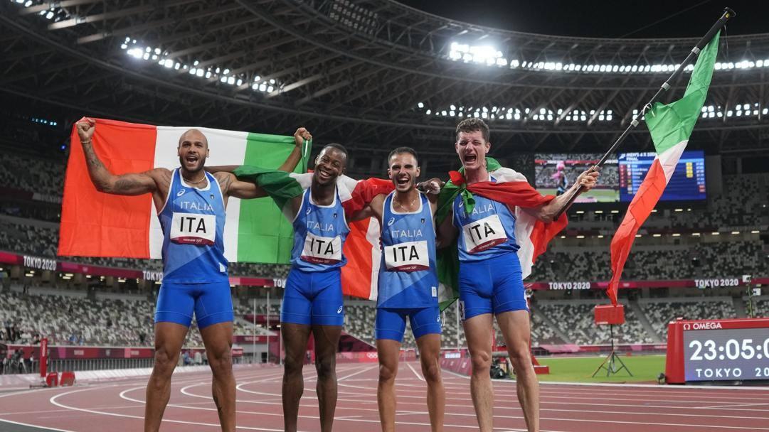 La squadra italiana oro nella 4x100: Marcell Jacobs, Fausto Desalu, Lorenzo Patta e Filippo Tortu. LAPRESSE