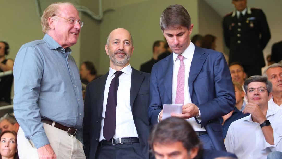 Il presidente rossonero Scaroni, l'a.d. Gazidis e il d.s. Massara. LaPresse