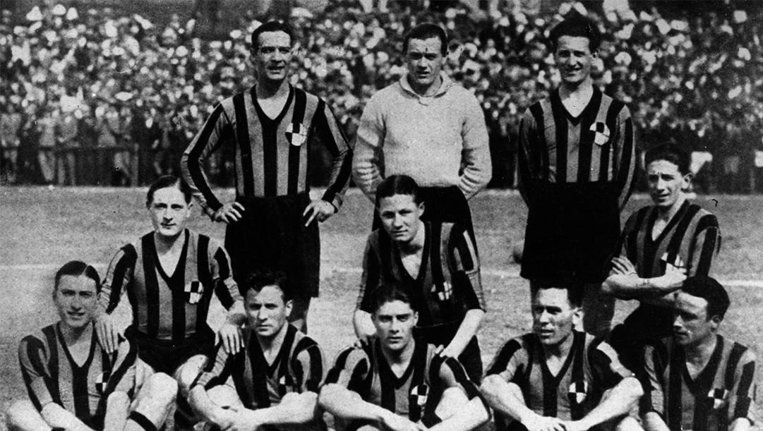 Una formazione dell'Ambrosiana per la stagione 1929-1930