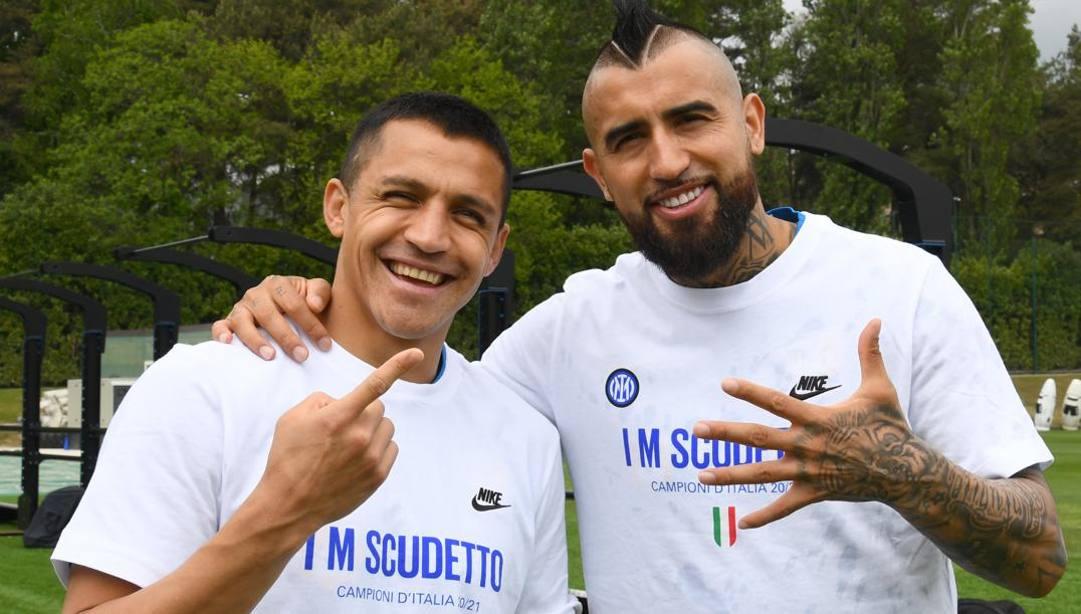 Alexis Sanchez con Arturo Vidal. Getty