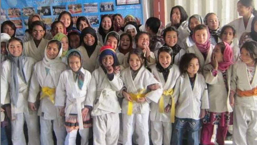 In Afghanistan, prima del ritorno al potere dei talebani, il judo era diventato uno straordinario strumento educativo per le giovani ragazze