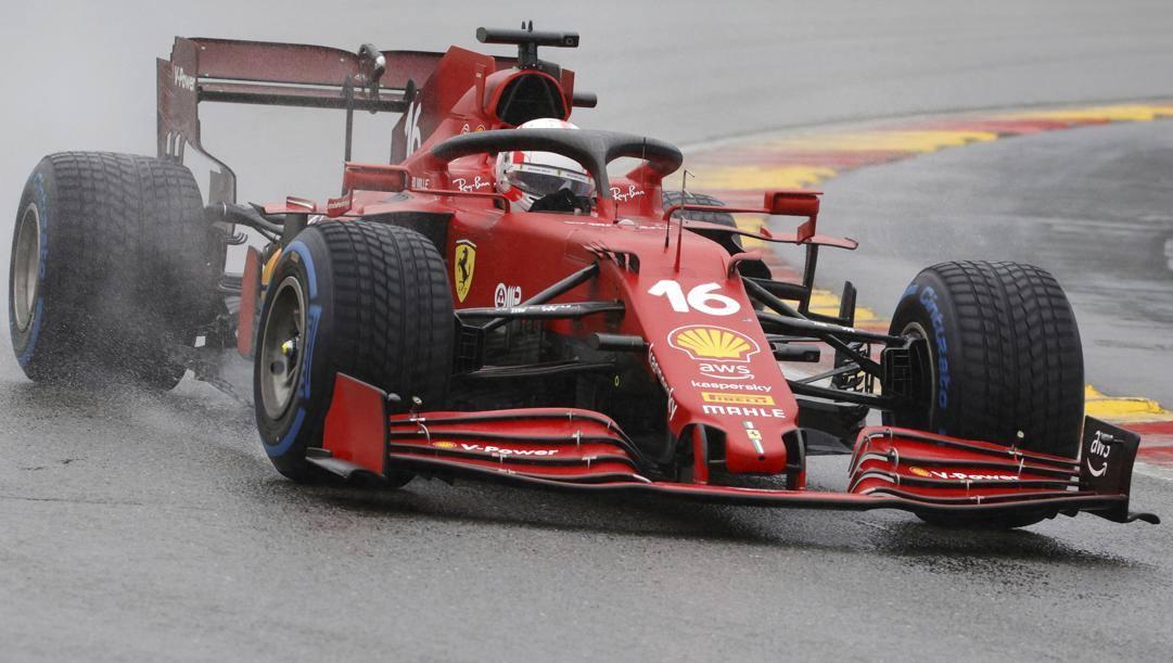 Charels Leclerc in azione a Spa con la Ferrari
