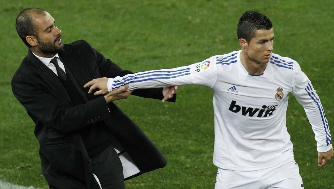 Guardiola e Ronaldo si spintonano nel 2010. AP