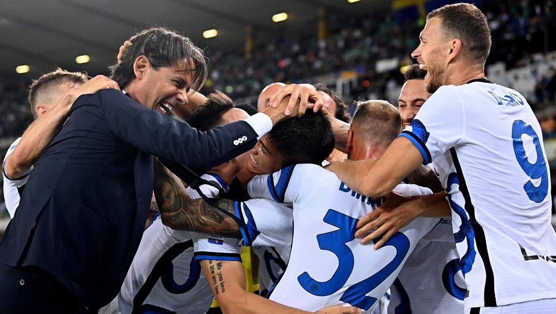 Inzaghi festeggia con i suoi giocatori. Getty