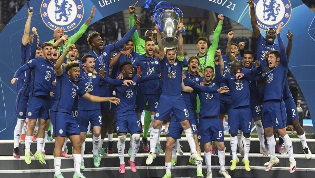 La festa del Chelsea dopo il trionfo nell'ultima Champions League. Ap