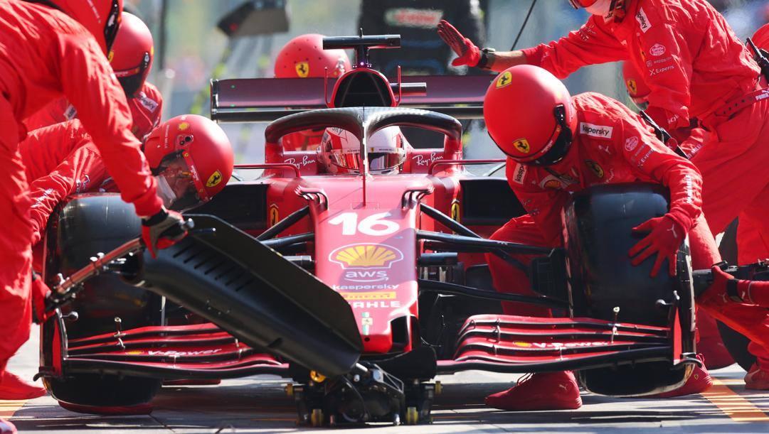Charles Leclerc in azione a Monza. Getty