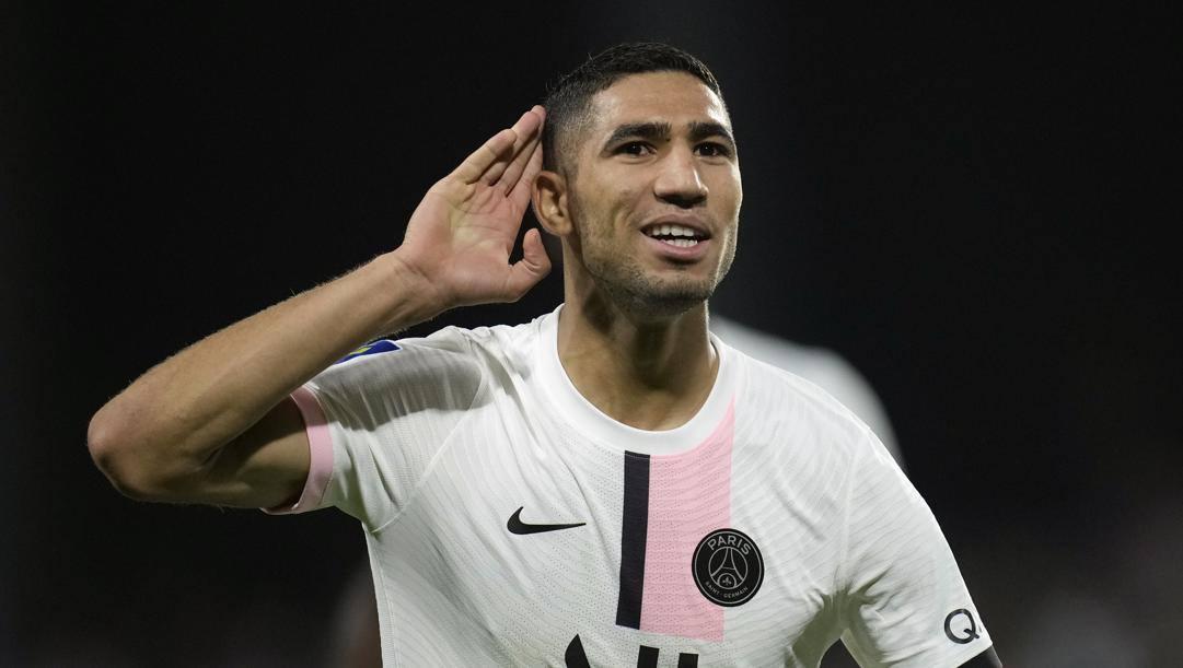 Achraf Hamimi, 22 anni, esulta dopo aver realizzato il 2 a 1 che ha piegato il Metz al 95'