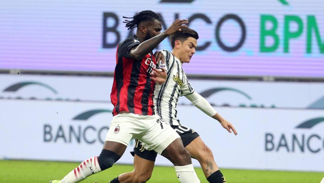 Franck Kessie contro Paulo Dybala. Ansa