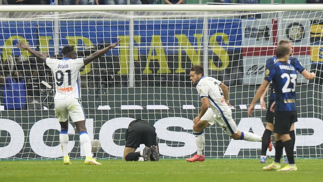 Il gol di Toloi in Inter-Atalanta. Ap