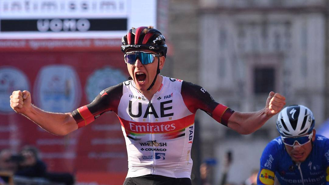 Tadej Pogacar sul traguardo del Giro di Lombardia. Afp