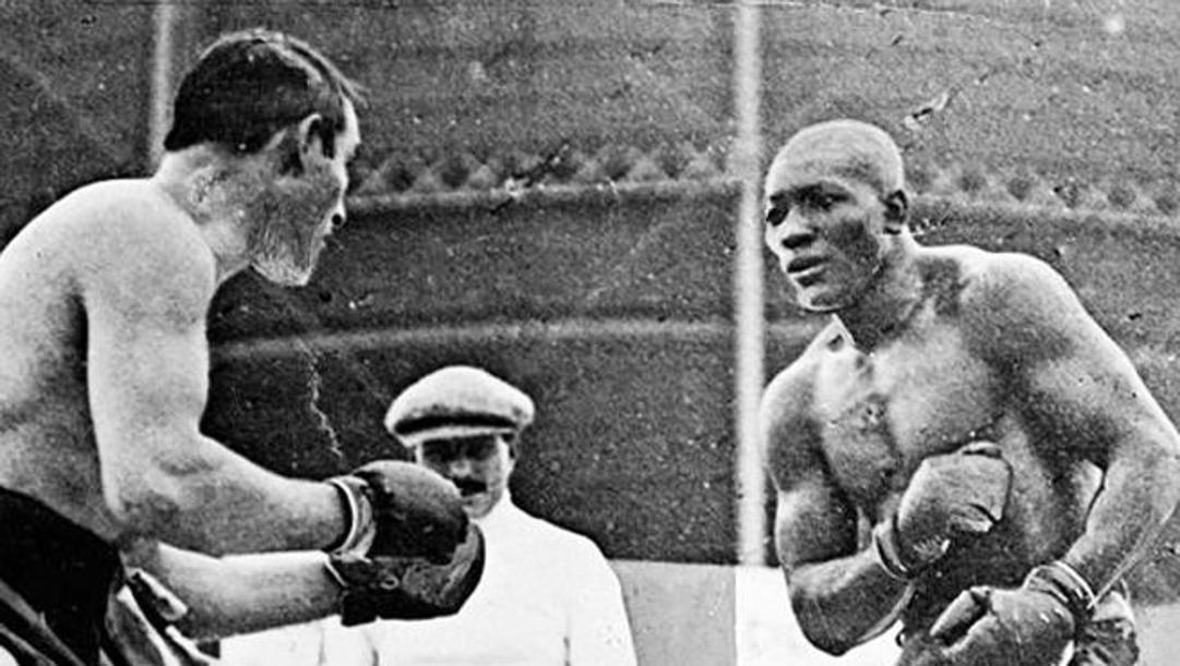 Jack Johnson contro Tommy Burns nel match del 26 dicembre 1908 in cui divenne campione del mondo