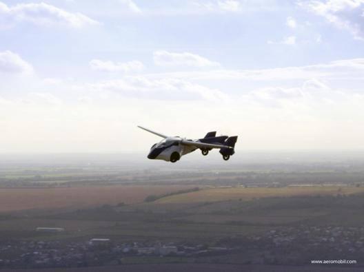 Niente più traffico, arriva l'auto volante - Video Gazzetta.it