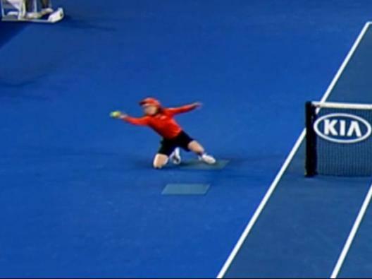 Australian Open, applausi per la raccattapalle - Video Gazzetta.it