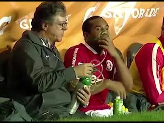 Anderson con l'ossigeno in panchina - Video Gazzetta.it