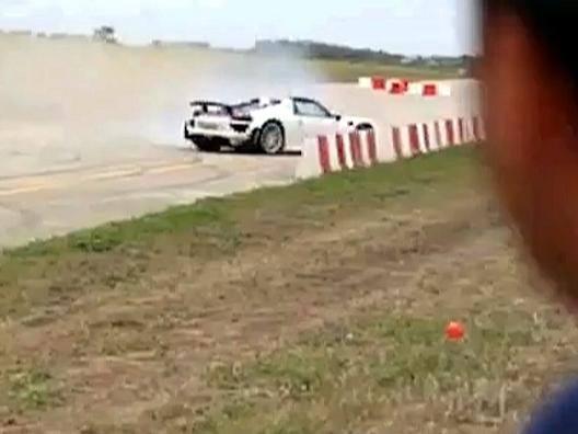Malta: Porsche impazzita falcia 26 spettatori durante un rally - Video Gazzetta.it