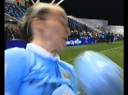 Natasha Harding, La pallonata in faccia diventa tormentone - Video Gazzetta.it