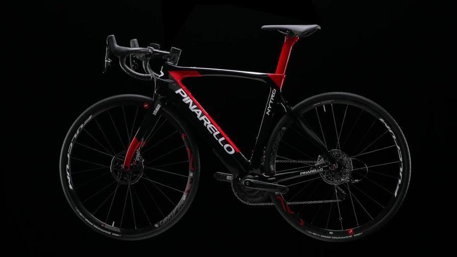 Nytro pinarello elettrica la nuova era delle bici da for Codice della strada biciclette da corsa