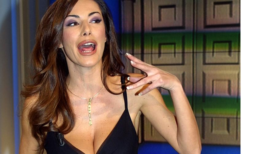 Emanuela Folliero Calendario.Video Emanuela Folliero Sogno Proibito Dei Calciatori Da