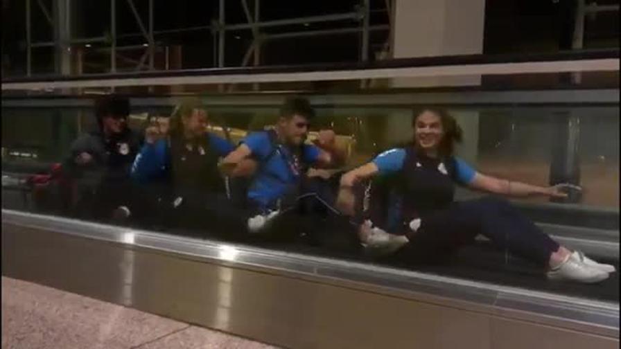 L'Italia juniores pagaia così in... aeroporto!
