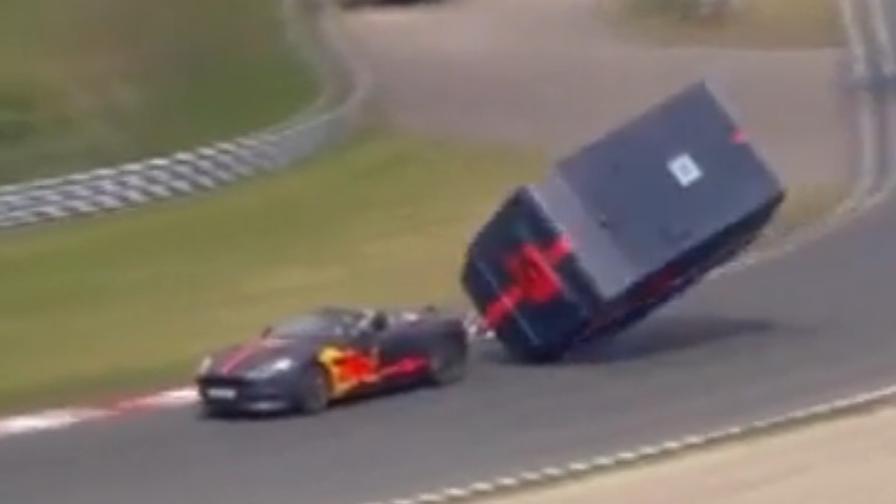 Verstappen e Ricciardo, la folle sfida con i caravan