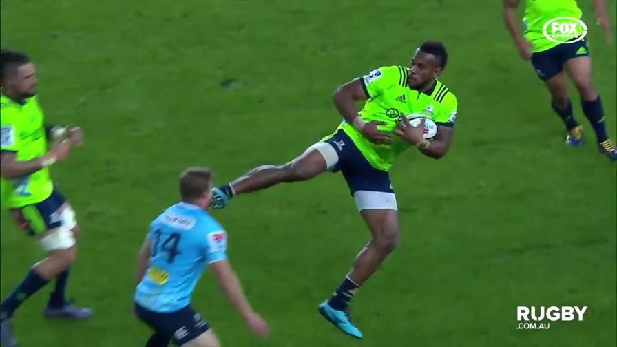 Rugby? No, kung fu: calcio terrificante